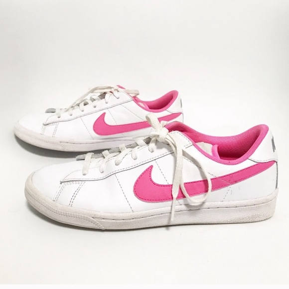 size 40 f2617 8cb18 Nike. Hot pink! Cortez like sneakers.